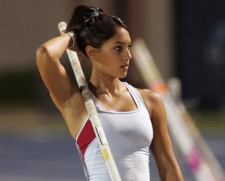 http://lesfillesetlesport.pagesperso-orange.fr/athletisme/photos/Allison_STOKKE_2.jpg